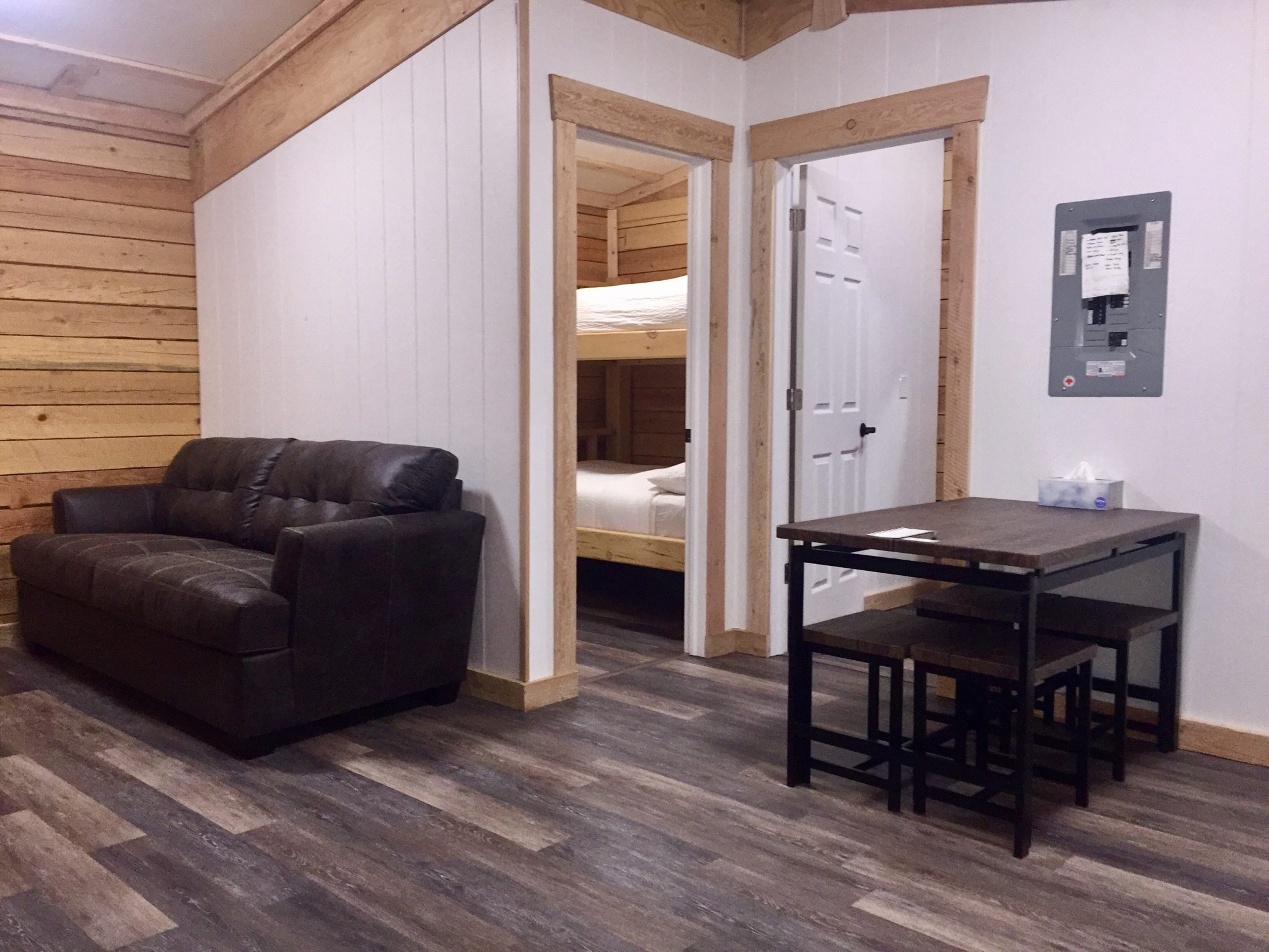 Base Camp Guest House Revelstoke Stay Hotel Cabin