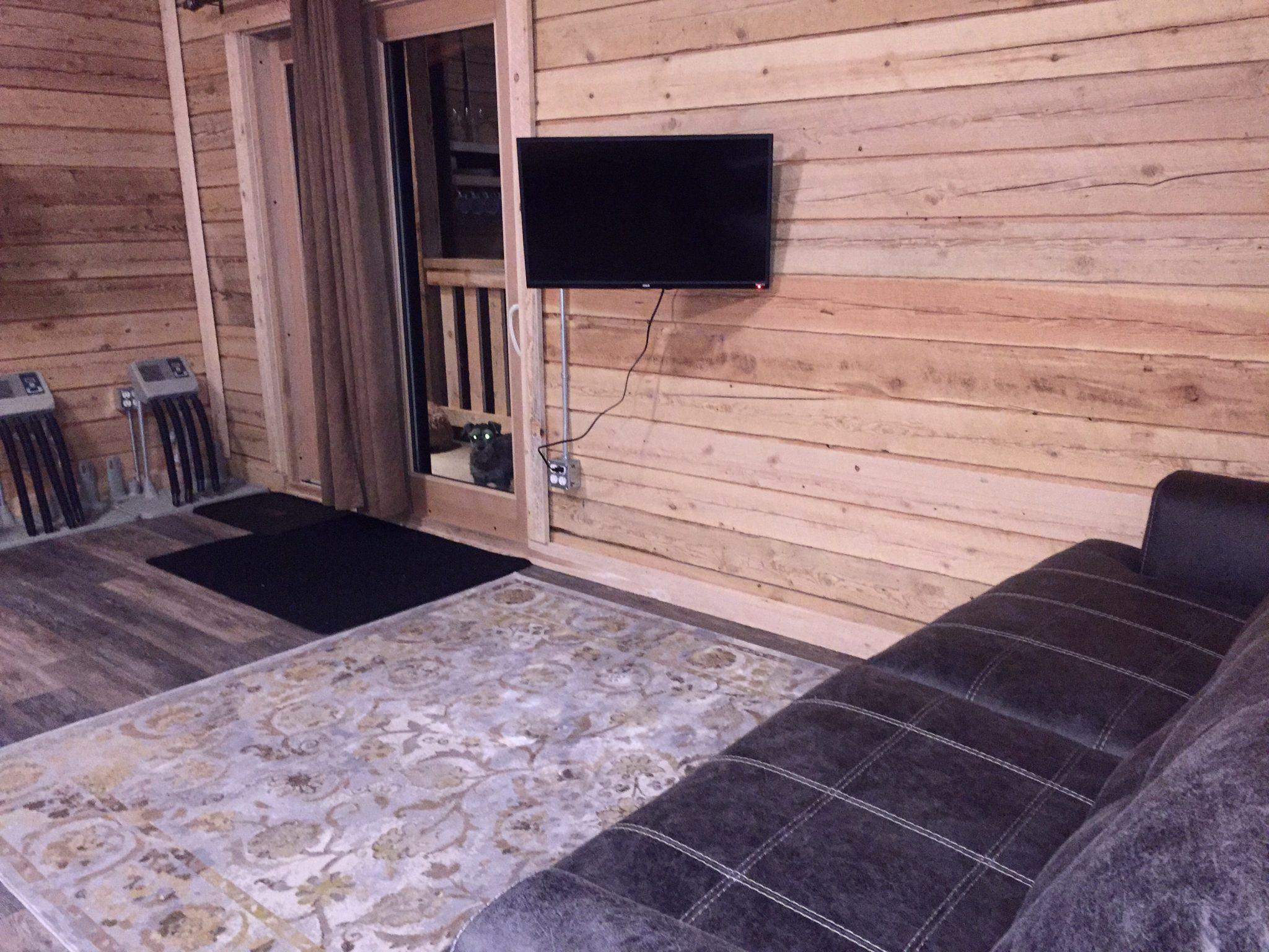 Cabin in Revelstoke Base Camp Guest House